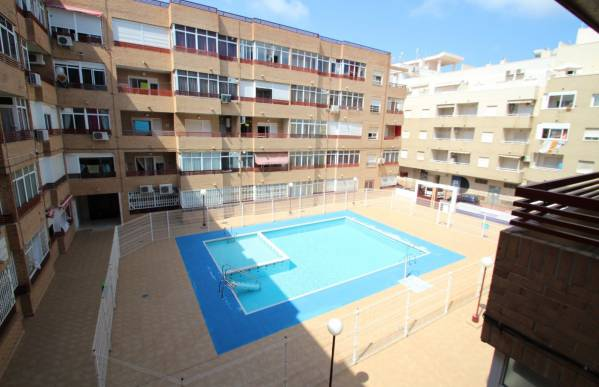 Apartment - Sale - El molino - Torrevieja